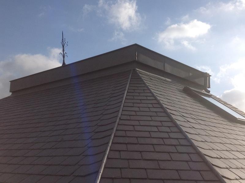 opter pour un toit en ardoises naturelles choisir une entreprise de toiture pour la pose d. Black Bedroom Furniture Sets. Home Design Ideas