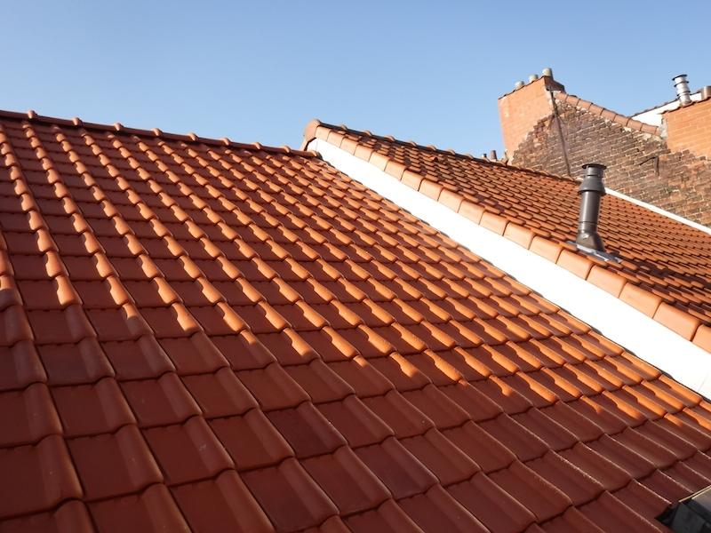 R novation de toiture la rue de l 39 intendant for Aide renovation toiture